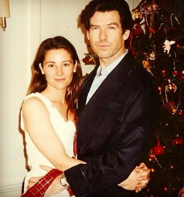 Tài tử James Bond và vợ kỷ niệm 25 năm ngày cưới, tình yêu thực sự là đây chứ đâu