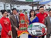 """Update vụ chú rể """"quay xe"""" không thể vào Quảng Ninh đón dâu: Làm lễ tại trạm thu phí, khẳng định """"covid tuổi mầm non"""" với tình yêu đôi bạn trẻ"""