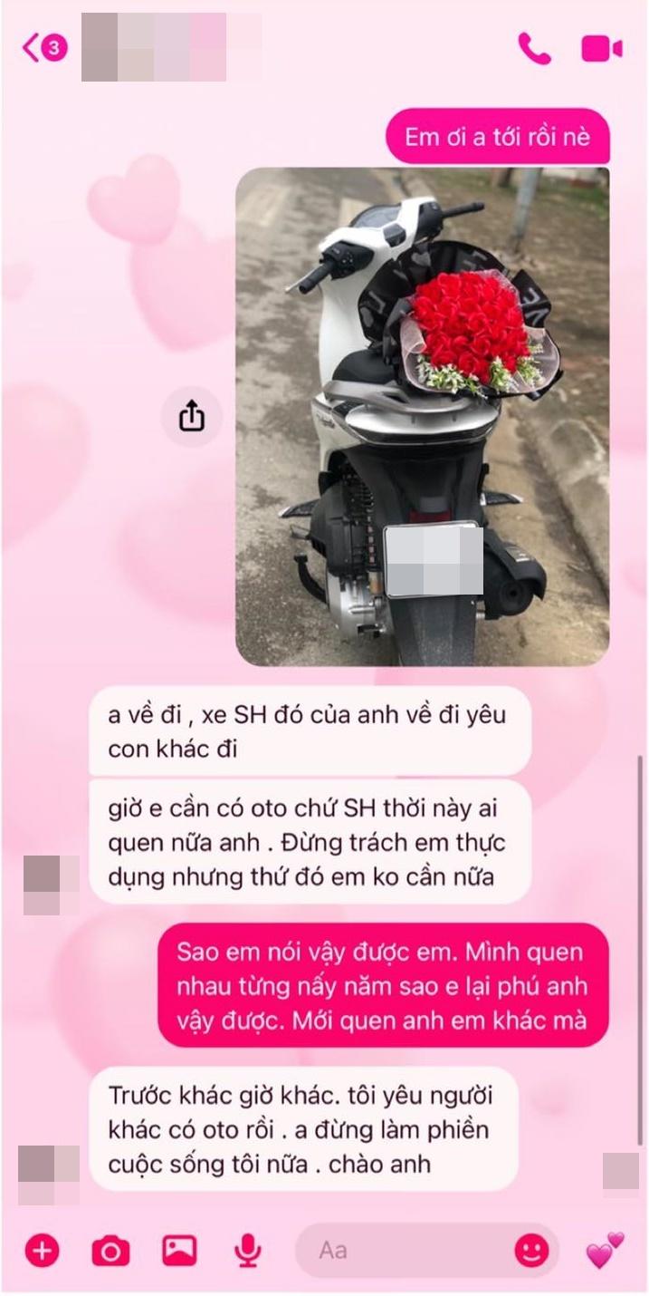 Đi SH đem hoa đến tặng nàng nhân 8/3, chàng trai bị bạn gái đá: Tôi yêu người khác có ô tô rồi