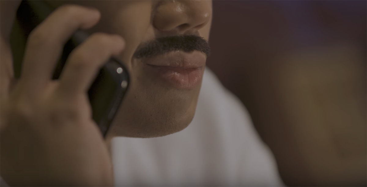 Bị chê dùng râu giả làm sạn cả Bố Già, Trấn Thành giải thích: Dùng râu thật nhìn rất là lông