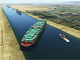 "Tựa game Suez Canal Simulator giúp game thủ ""theo trend"" giải cứu tàu Ever Given"